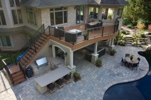 Custom Deck Builder in Michigan