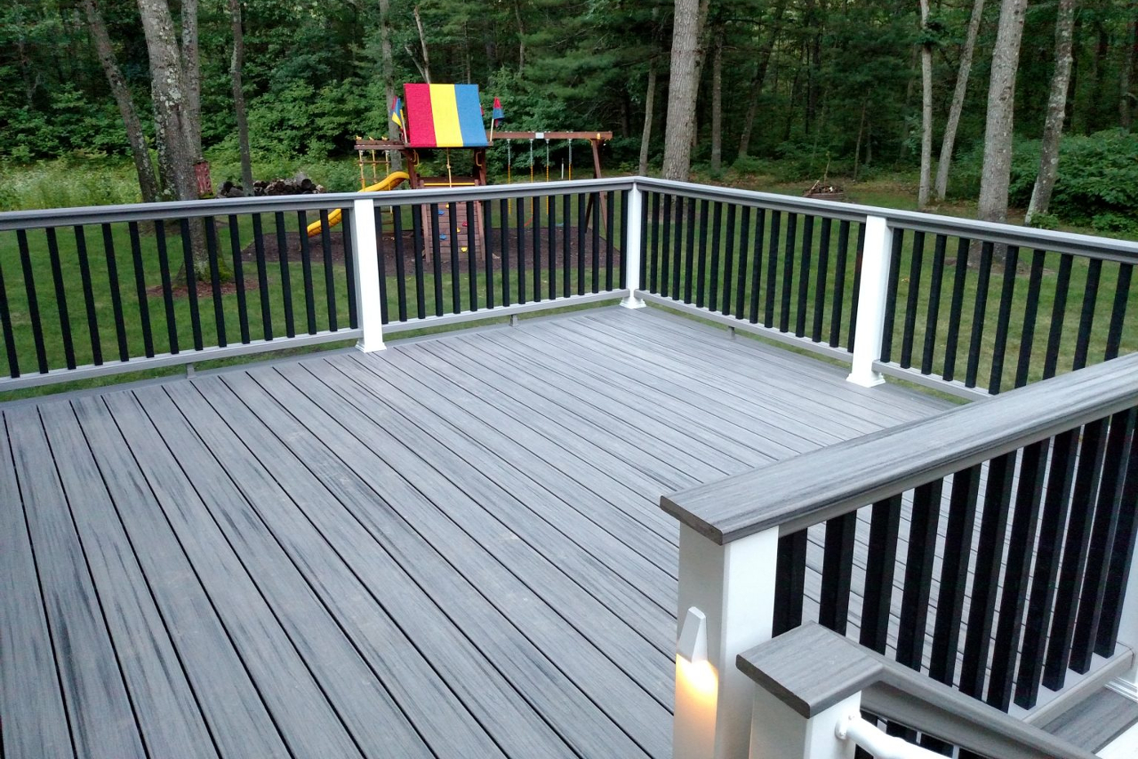 Grand Rapids Custom Composite Deck