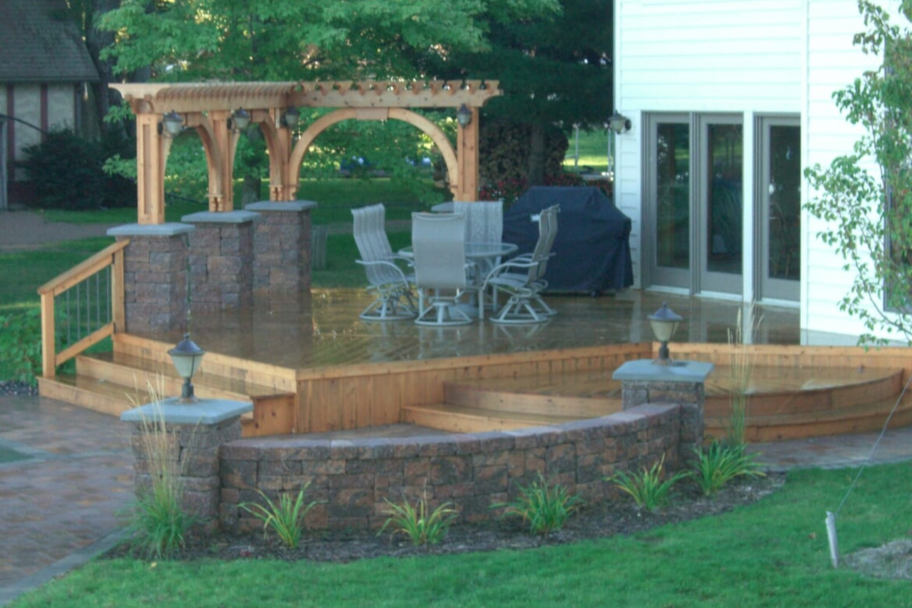 Grand Rapids Deck Builder