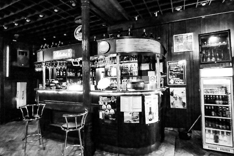 Amazing Basement Bar for Grand Rapids Michigan Homeowner